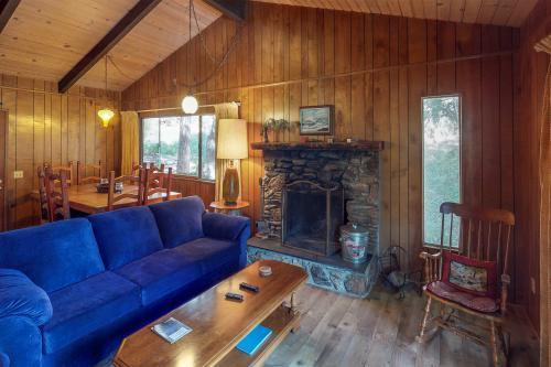 Bear Paw Chalet - San Bernardino, CA Vacation Rental