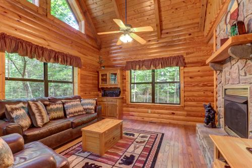 Friendly Bear Cabin - Pigeon Forge, TN Vacation Rental