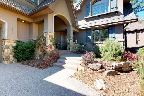 Creekside Mountain Retreat - Flagstaff, AZ Vacation Rental