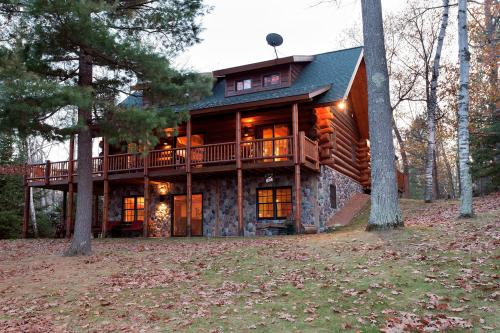 Island View Lodge - Eagle River, WI Vacation Rental