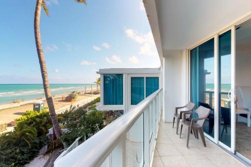 Castle Beach: Pavillon 7 Condo - Miami Beach, FL Vacation Rental