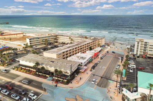 Daytona Inn #238 - Rock-n-Roll Suite - Daytona Beach, FL Vacation Rental