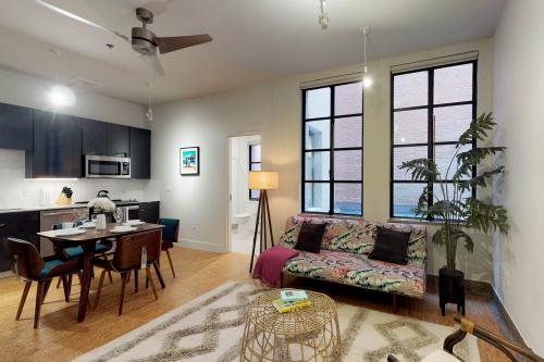 The Denton Suite - Dallas, TX Vacation Rental