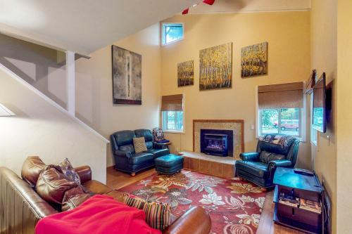 Pinewood  Getaway - Ketchum, ID Vacation Rental