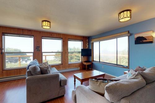 Bandon Bluff House - Bandon, OR Vacation Rental