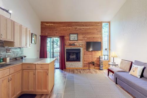 Casa Feliz - Tahoe Vista, CA Vacation Rental