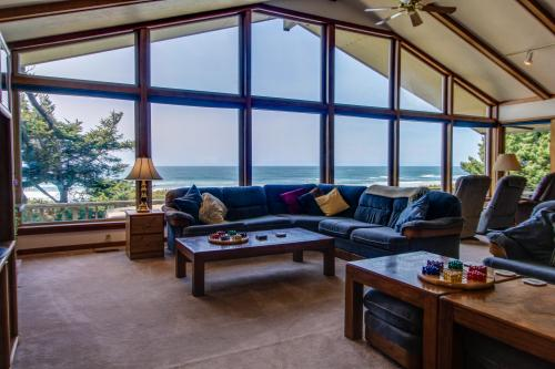 A Gathering Place - South Beach, OR Vacation Rental