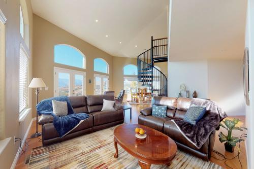Vision House - Chelan, WA Vacation Rental