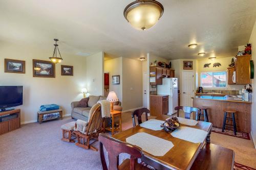 Buckskin Getaway - Donnelly, ID Vacation Rental