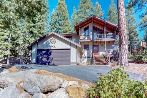 Rustic Star Retreat - Truckee, CA Vacation Rental
