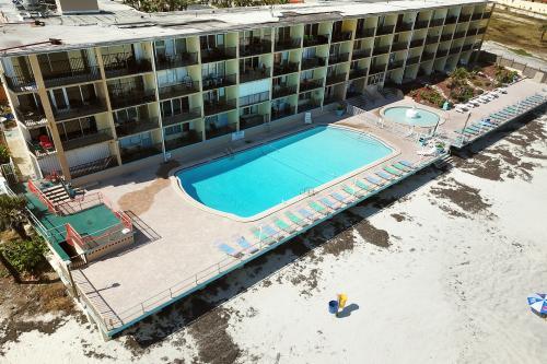 Daytona Inn 222 - Daytona Beach, FL Vacation Rental