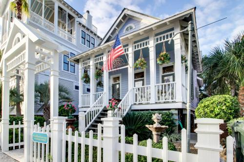Frederica Cottage - St. Simons Island, GA Vacation Rental