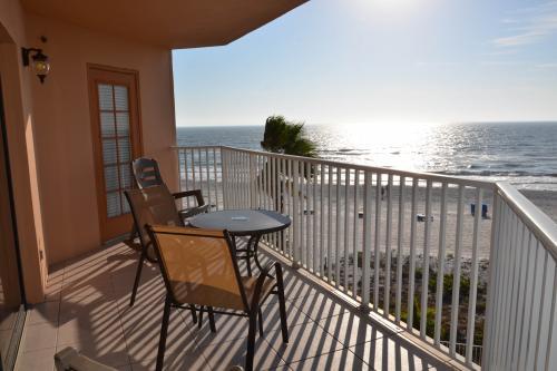 Beach Palms 309 - Indian Rocks Beach, FL Vacation Rental