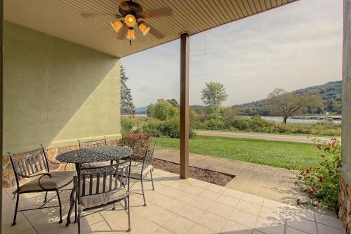 Chatuge Lake View - Young Harris, GA Vacation Rental