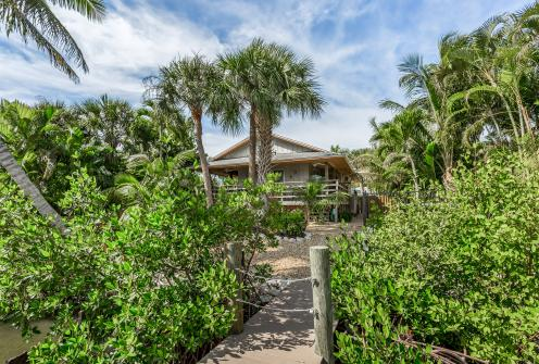 Beneath the Palm Trees  - Fort Myers Beach, FL Vacation Rental