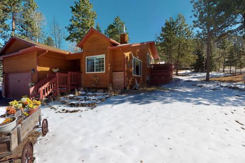 Sunflower Retreat - Woodland Park, CO Vacation Rental
