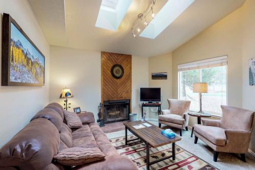 Brown Bear Den - Woodland Park, CO Vacation Rental