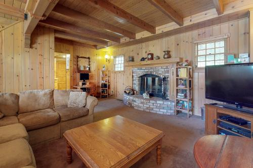 Arrowhead Chalet - Lake Arrowhead, CA Vacation Rental