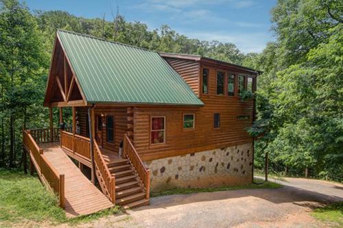 Delia's Den - Sevierville, TN Vacation Rental