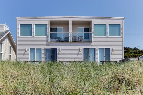 Sand Castle Villa - Rockaway Beach, OR Vacation Rental
