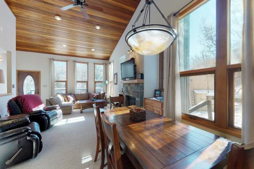 Lark Court Townhome - Eagle-Vail, CO Vacation Rental