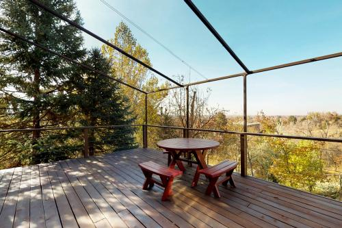 Hilltop View House - Boise, ID Vacation Rental
