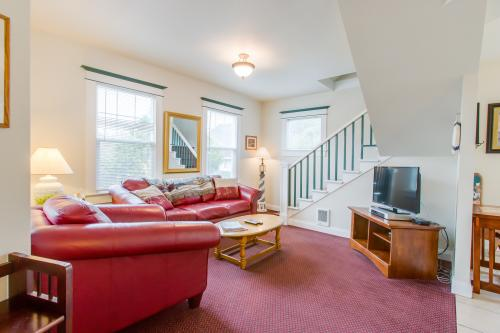 The Lighthouse - Seaside, OR Vacation Rental