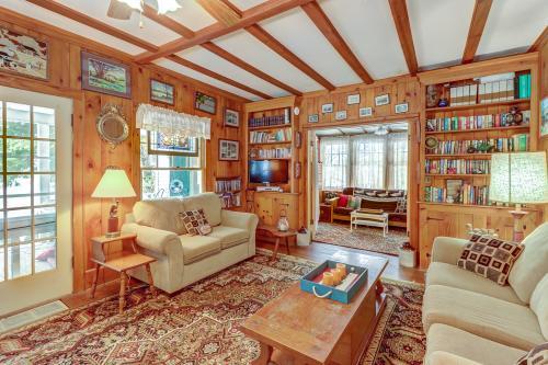 Hunerberg White House - Chestertown, NY Vacation Rental
