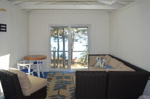 Linekin Bay Bungalow - Boothbay Harbor, ME Vacation Rental
