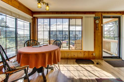 Buddy's Cottage - Rockaway Beach, OR Vacation Rental
