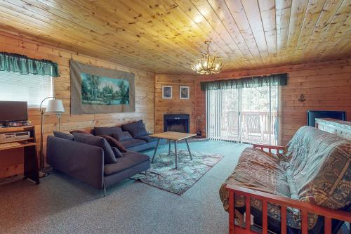 Charming Cabin on Willow - Big Bear Lake, CA Vacation Rental
