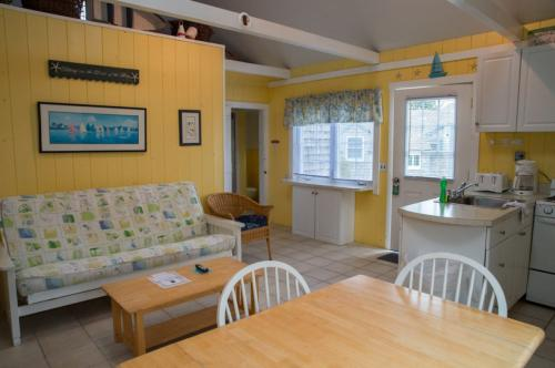 Seaside Cottage #23a - Seagull's Nest - South Yarmouth, MA Vacation Rental