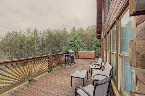 Hidden Pines Lodge - Mineral Bluff, GA Vacation Rental
