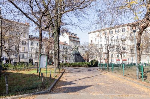 Da Vinci's Conciliazione New Apartment - Milan, Italy Vacation Rental