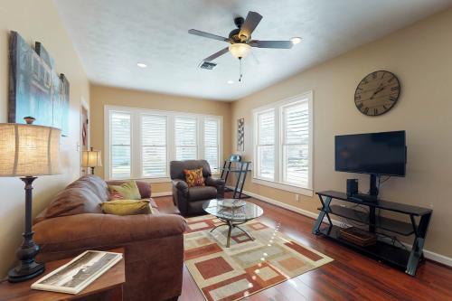 Seagull Cottage - Galveston, TX Vacation Rental