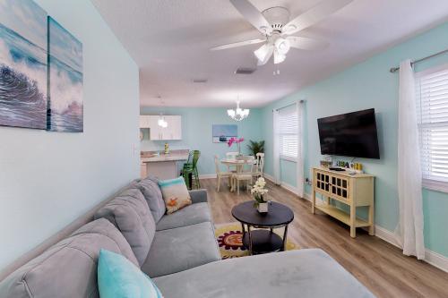 Hidden Paradise - Green Suite - Indian Rocks Beach, FL Vacation Rental
