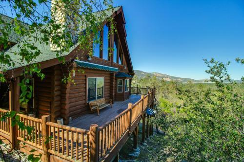 Big bear lake cabins vacation rentals vacasa for Cabins for rent big bear ca