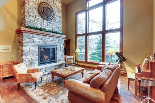 House of Views in Snoqualmie Pass - Snoqualmie Pass, WA Vacation Rental