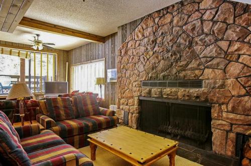 SkiWay Lodge at Thunderhead - Government Camp, OR Vacation Rental