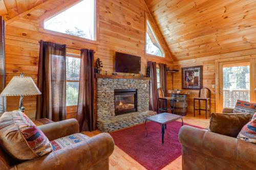 Thunder Bear Hideaway - Pigeon Forge, TN Vacation Rental