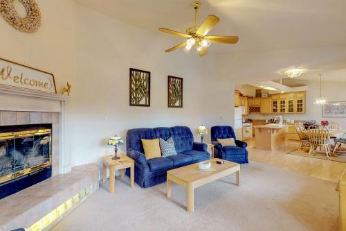 Peaceful Porch Cottage - Groveland, CA Vacation Rental
