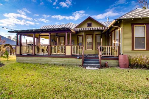 Das Fritz Haus - Fredericksburg, TX Vacation Rental