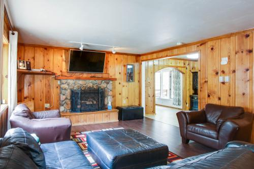 Hole-In-One Tahoe Escape - South Lake Tahoe, CA Vacation Rental