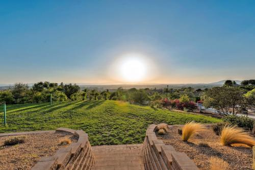 Temecula Wine Country Retreat - Temecula, CA Vacation Rental