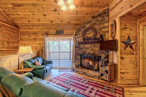 Mountain Air Cabin - Ellijay, GA Vacation Rental