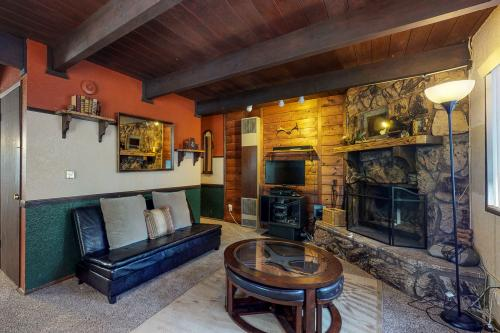 Silver's Garden - Big Bear Lake, CA Vacation Rental