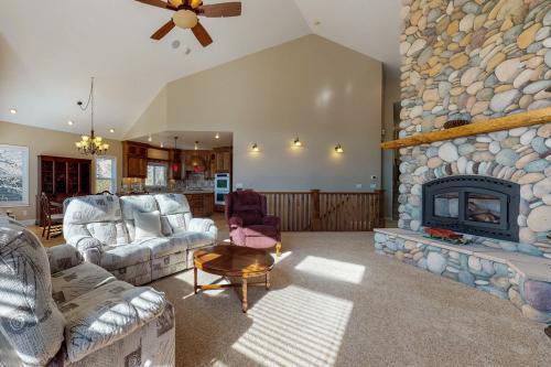 Amazing Getaway - Lake Arrowhead, CA Vacation Rental