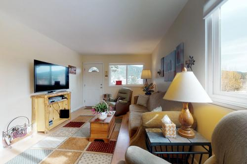 Cottage of Love - Woodland Park, CO Vacation Rental