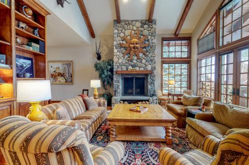 Luxurious  Eagle Ridge  Retreat in Warm Springs - Ketchum, ID Vacation Rental