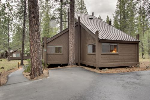14 Pole House - Sunriver, OR Vacation Rental